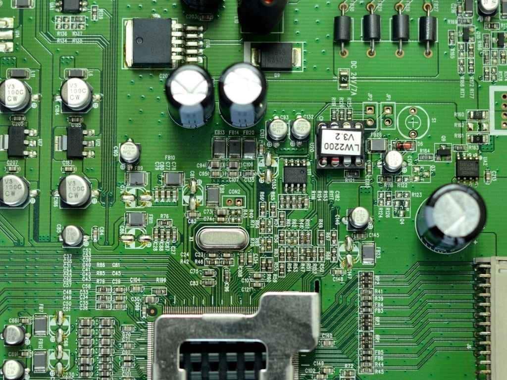 Injection plastique Électronique, PLASTIC INJECTION ELECTRONIC