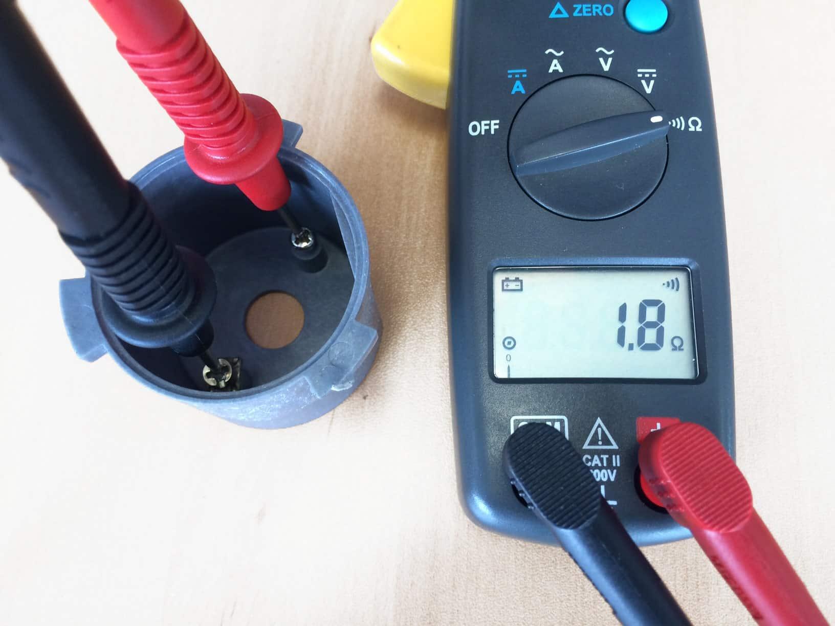 Injection de matière plastique conductrice electrique